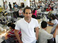 Dov Charney told Bloomberg that he believes American Apparel's failure is because of his absence. (Image via Twitter)