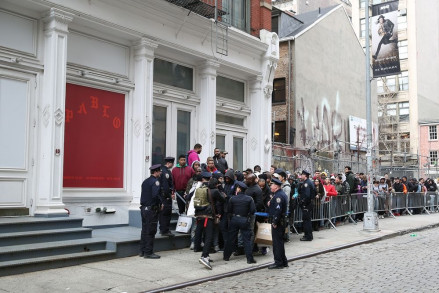 The line for the Pablo pop-up shop; Image via Mashable