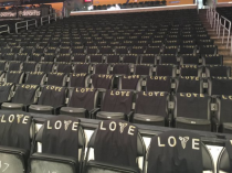 In addition to items for sale, fans at Kobe Bryant's final game received free T-shirts. (Image via Twitter)