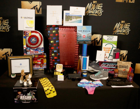 The MTV Movie Awards gift bag. (Image via TooFab)