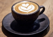 Kaffeeform makes drinkware products and saucers out of dried coffee grounds. (Image via Kaffeeform)