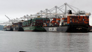 The Port of Oakland said that it has Hanjin Shipping containers stacked five high. (Image via San Francisco Business Times)