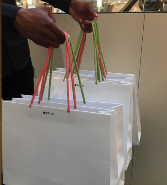 Le Previously Used Paper Bags For The Launch Of Its Watch Image Via